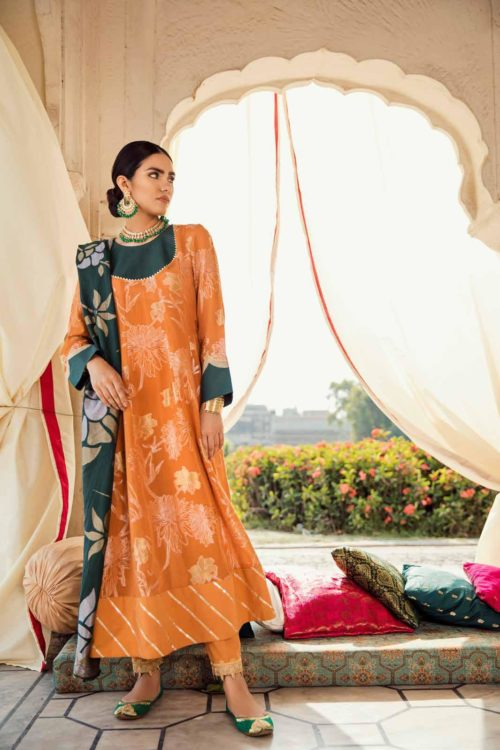 Cross Stitch Pakistani Suits Rani Bagh – Luxury Lawn '19