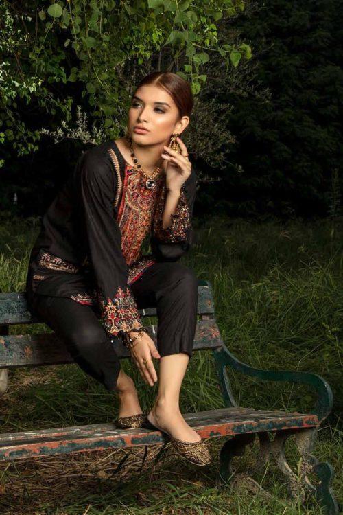 Muzayyan by Adan's Libas Black Kurti Collection Design 5