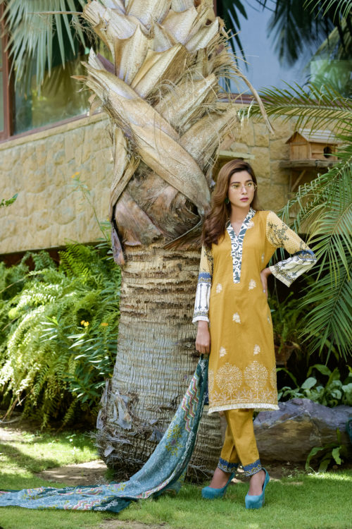 Ayesha Chottani Embroidered Lawn