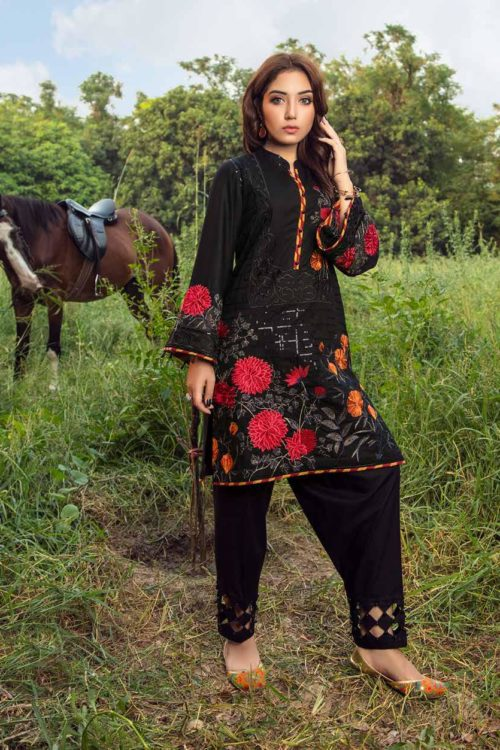 Muzayyan by Adan's Libas Black Kurti Collection Design 1