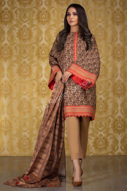3 Piece Printed Khaddar Suit with Khaddar Dupatta  |  Alkaram | FW-5.1-19-Brown